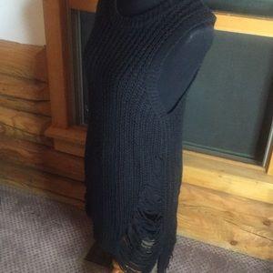 Active USA 🇺🇸 Shredded sweater dress